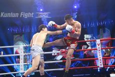 拳坛巨人被踢裆有多凶残 中华竹剑惨遭韩国一哥KO出局